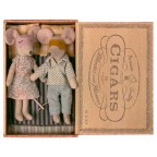 Jucarie textila Mum and Dad Mice in Cigarbox Maileg